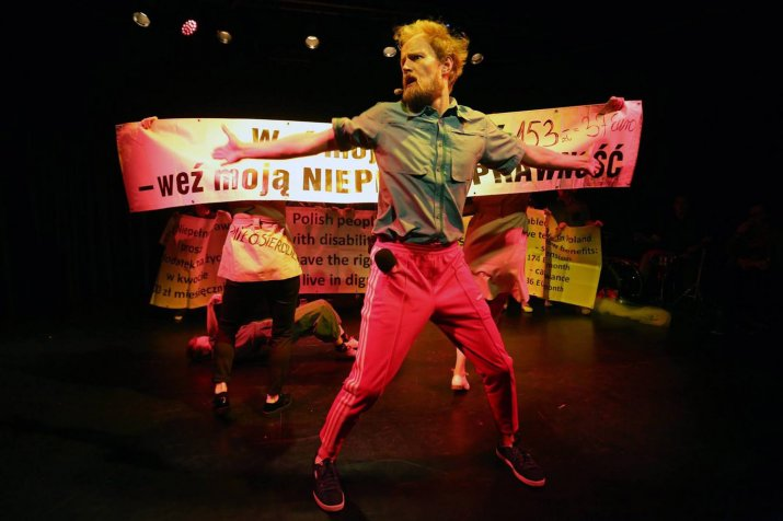 Teatr-21-Rewolucja-ktorej-nie-bylo-fot-Grzegorz-Press-4 kopia