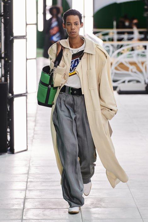Louis Vuitton S21 002