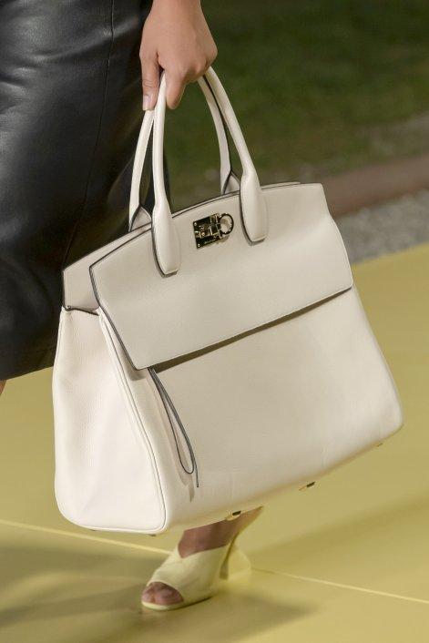 1. Ferragamo bag S21 015