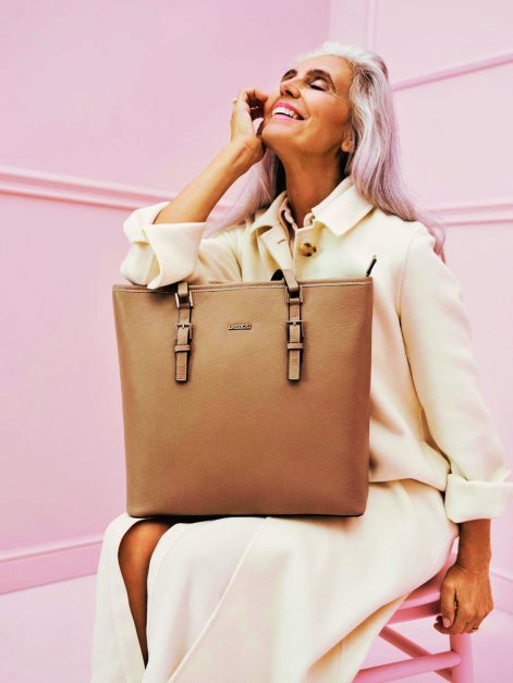 campaign-ccc-fashion-europa-milva-model-best-ager-bags